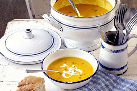 Crema di carote con zenzero, lemon grass, arancia e curry