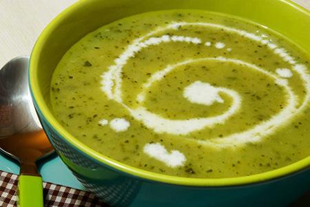 Crema di zucchine alla menta e curry verde thai