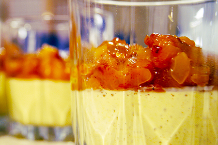 Crema vaniglia e papaya con chiodi di garofano