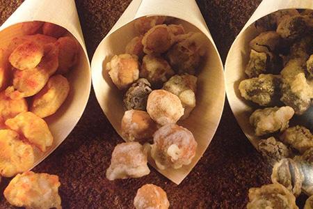 Snack di frutta secca in tempura speziata