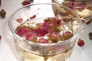 Cocktail all'acqua di rose